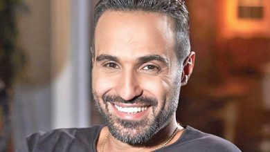 Photo of هنا الزاهد تكشف حقيقة سرقة حسابات أحمد فهمي على السوشيال ميديا
