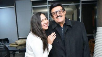 Photo of «الوداع الحقيقي هو تقبيل جبين ميت»..إيمي سمير غانم تتذكر والدها برسالة مؤثرة